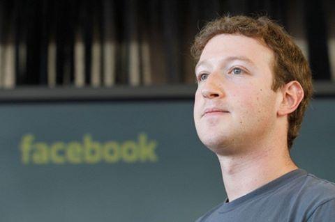 Pemilik Facebook Akhirnya Memeluk Agama