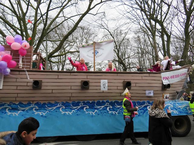 http://www.pink-weisse-funken.de/