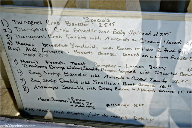 Especiales de la Carta en la Cafetería Mama's On Washington Square en San Francisco