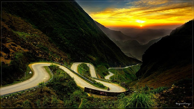 "The legend of the ""Happy Road"" in Ha Giang"