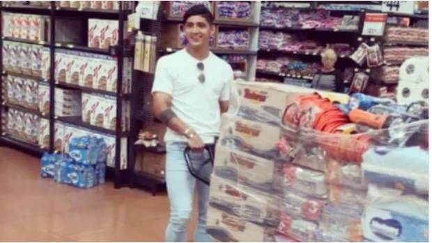 Alan Pulido se luce con gran donativo en especie para víctimas de sismo (VIDEO)