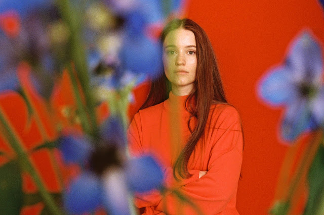 Video: Sigrid - Don't Feel Like Crying