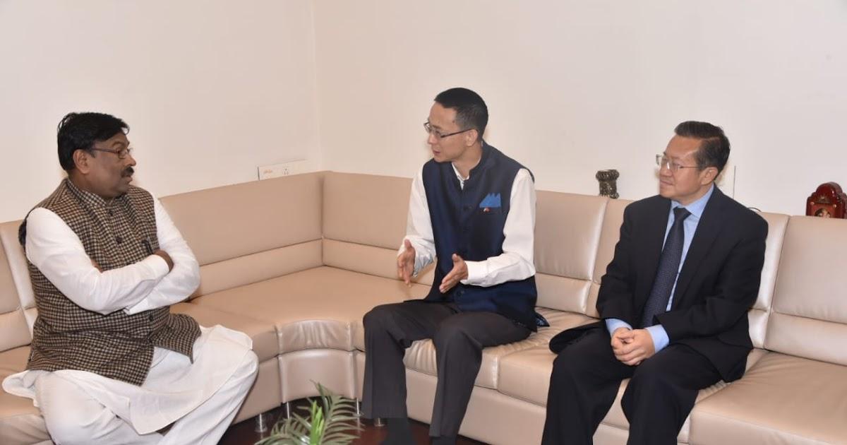 *चीनचे कॉन्सुल जनरल आणि वाणिज्य कॉन्सेलर यांची अर्थमंत्री सुधीर मुनगंटीवार यांच्याशी सदिच्छा भेट*