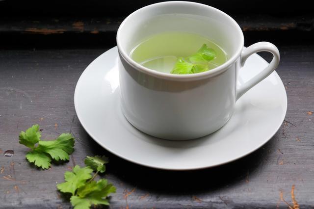Té de cilantro para bajar de peso