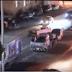 فيديو صادم..سرقة قائدي السيارات بالاكراه علناً في احد شوارع الرياض الرئيسية