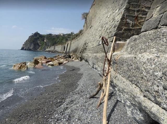 l'accesso alla spiaggia di Corniglia