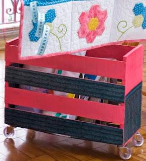 http://www.portaldeartesanato.com.br/materias/866/caixote+porta-treco