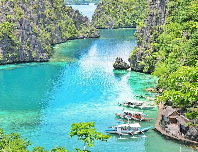 Xvlor Coron Island is rich lagoons and best shipwreck diving in the world