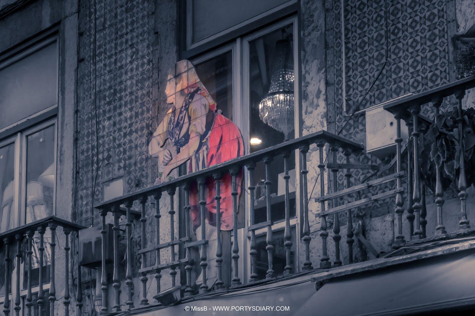 """Week 45 Photo challenge """"Menina estás à janela"""" photography"""