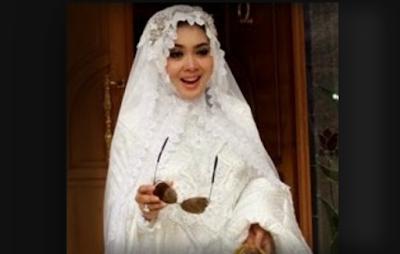 Gambar Busana Muslim Lebaran Ala Syahrini