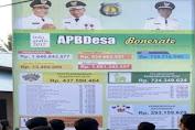 Kades Bonerate Selayar Buktikan Semangat Transparansi APBDes