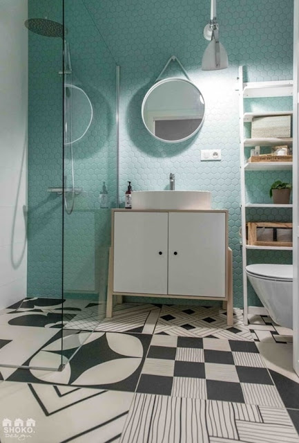 Fashionable Colors in a Charming Apartment 10