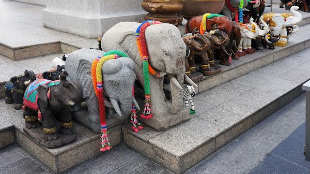Изображение слоников - атрибутов Алтаря Эраван в Бангкоке