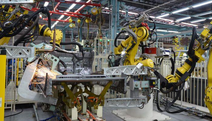Сварочные роботы по сборки кузова