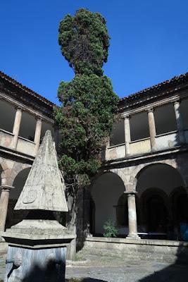 Claustro de la Parroquia de San Nicolás de Bari, Avilés