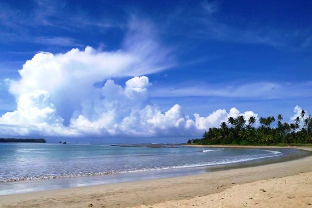 Mengenal Pantai Lagundri