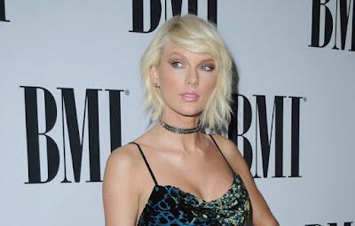 """Biografi Taylor Swift  Lahir pada tanggal 13 Desember 1989, di Reading, Pennsylvania, keluarga Taylor Swift pindah ke dekat Wyomissing dimana ia mulai menyusun lagu pada usia 5, dan pada usia 16, merilis album debutnya. Hitsnya seperti """"Love Story"""" dan """"You Belong With Me"""" menghimbau negara dan fans untuk membantu menhemat bahan bakar, keberhasilan multiplatinum album nya, dengan Fearless 2009 yang top-seller. Dan Dia telah memenangkan banyak penghargaan, termasuk beberapa Grammy Awards, dan model untuk Cover Girl.TaylorAlison Swift lahir pada tanggal 13 Desember 1989, di Reading, Pennsylvania. Swift menghabiskan tahun-tahun awal Natal di peternakan pohon keluarganya di dekat Wyomissing. Neneknya pernah menjadi penyanyi opera profesional, dan Swift segera mengikuti jejaknya. Pada usia 10, Swift bernyanyi di berbagai acara lokal, termasuk pameran dan kontes. Dia menyanyikan """"The Star-Spangled Banner"""" di pertandingan Philadelphia 76ers pada usia 11, dan mulai menulis lagu sendiri serta belajar gitar pada usia 12 tahun.Untuk mengejar karir musiknya, Swift sering mengunjungi Nashville, Tennessee, ibukota musik country. Di sana ia ikut menulis lagu, dan mencoba untuk mendaratkan kontrak rekaman. Memperhatikan dedikasi Swift, keluarganya pindah ke Hendersonville, Tennessee, dalam upaya untuk memajukan     karir  Sebuah kinerja bintang di The Bluebird Café di"""