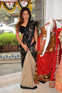 Neetu Chandra in Black Saree at Designer Sandhya Singh Store Launch Mumbai (58).jpg