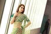 Raashi Khanna Gorgeous at Cinemaa Awards-thumbnail-4