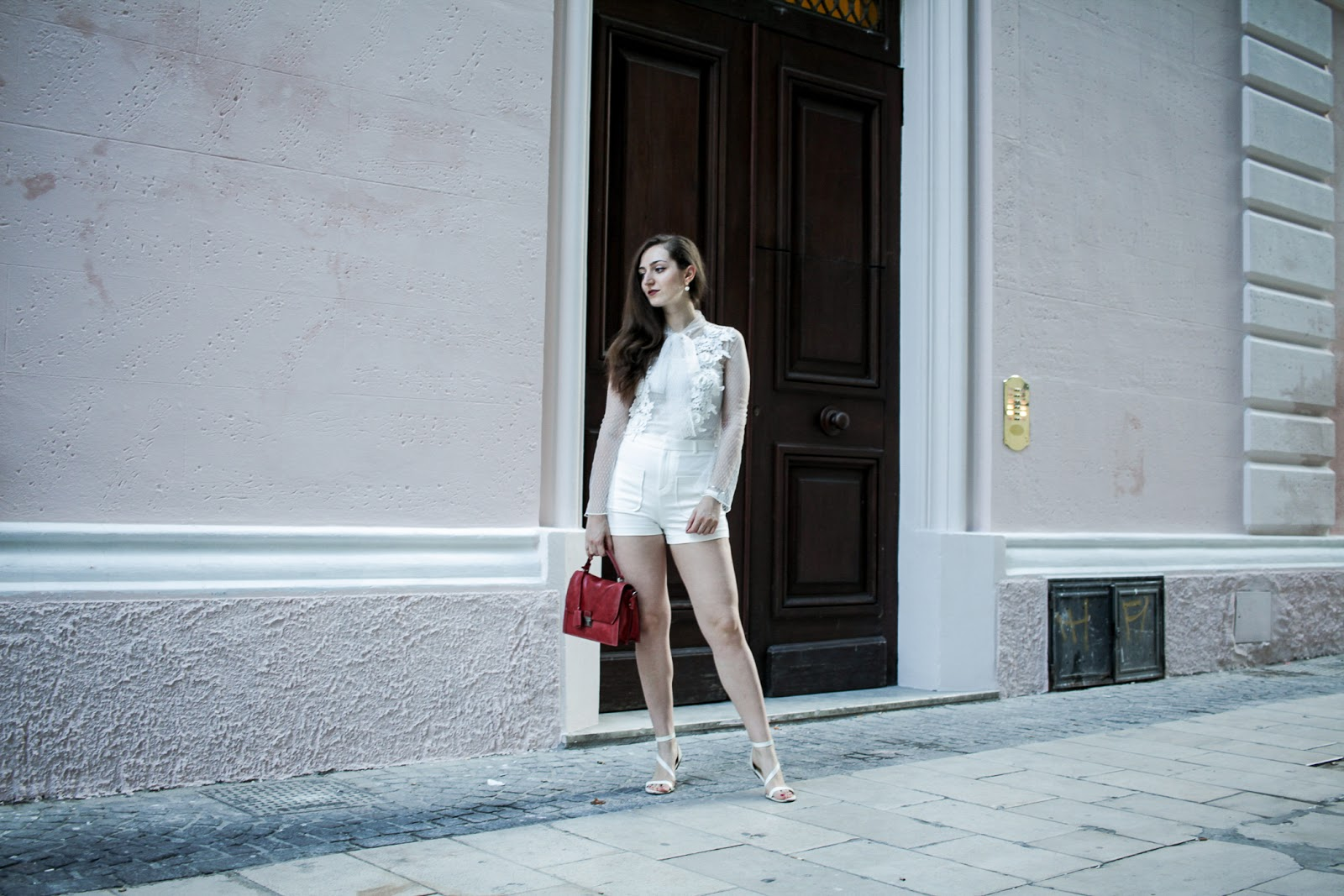 Look total white in estate, cosa abbinare?
