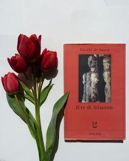 Il re di Atlantide - Vincent de Swarte Recensione no spoiler Felice con un libro