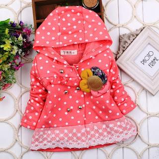 Model Baju Mantel Bayi Cantik Motif Pulkadot Renda Musim Semi 3