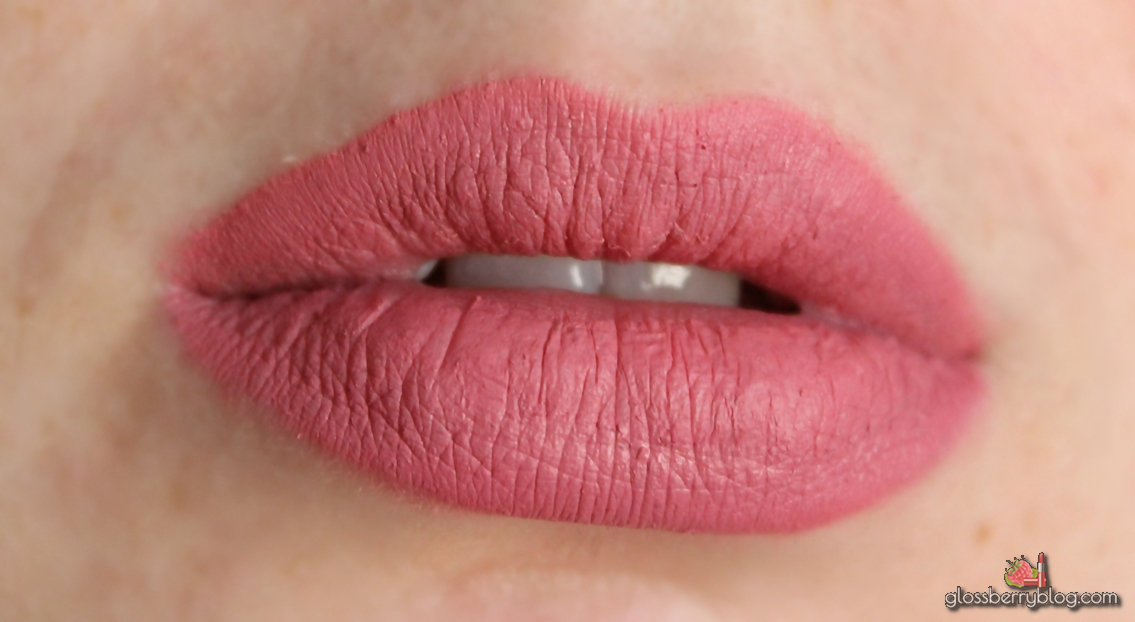 colourpop ultra matte lip lipstick lipcolor solow nude sollow review swatchesק קולור פופ קולורפופ שפתון נוזלי מאט סקירה המלצות גלוסברי בלוג איפור וטיפוח