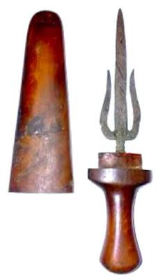 Gambar Tombak Trisula senjata tradisional Sumatera Selatan