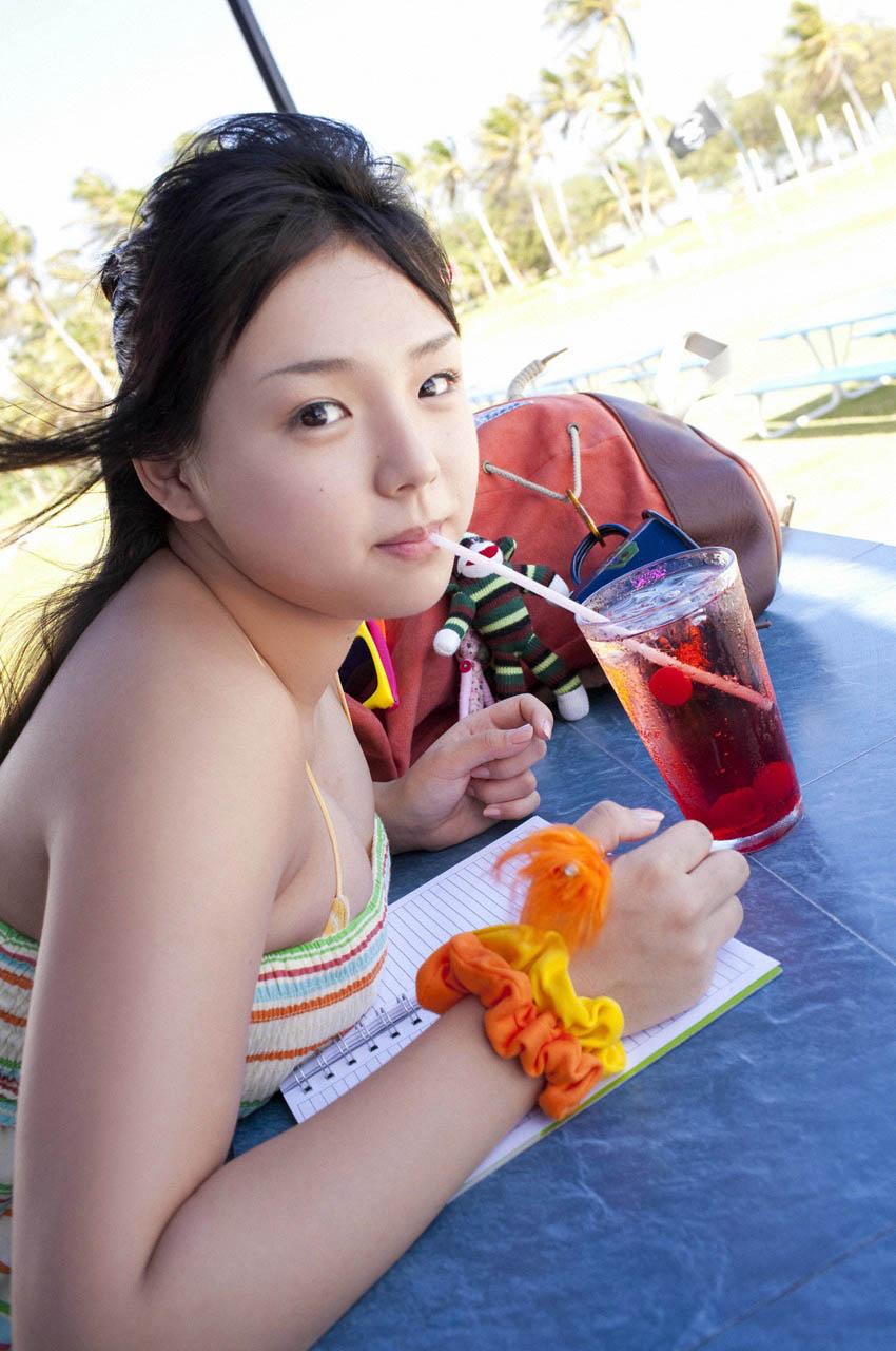 ai shinozaki busty japanese babe 01