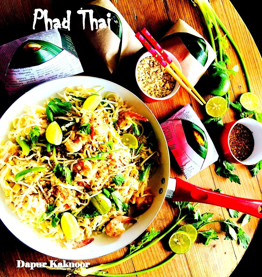 First Time Jugak Kaknoor Buat Phad Thai Ni Selalu Makan Kat Restaurant Je Kadang Bila Ada Permintaan Anak Kita Jadi Semangat Tu Berkobar Nak