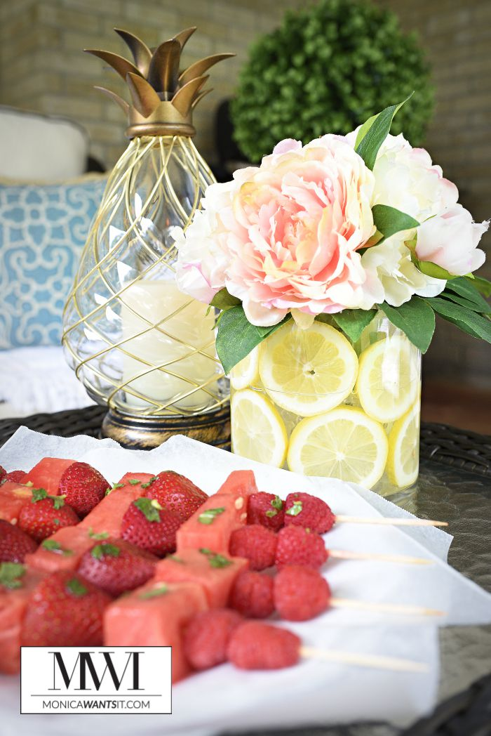 A gorgeous lemon slice centerpiece that is the perfect decor staple for summer. Looks great with flowers or faux florals and comes together in minutes.