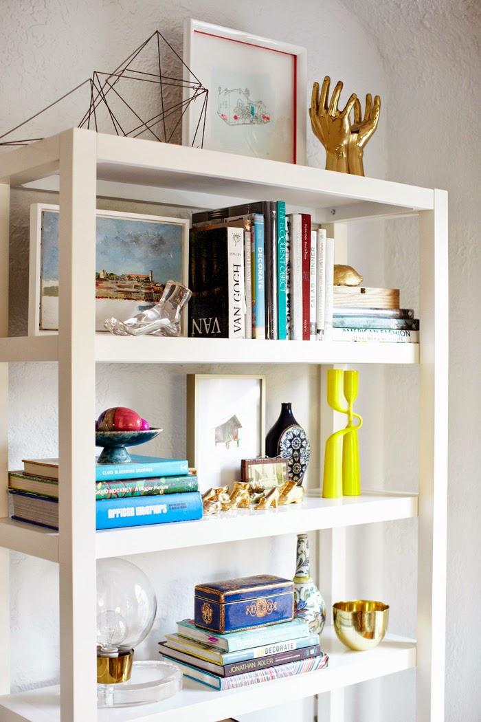 estantería y accesorios