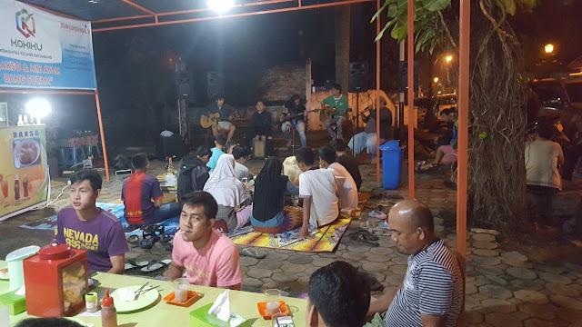 Bersantap Malam Sambil Menikmati Musik di Kokiku