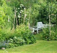 Siddepladser i haven - havemøbler i den romantiske have - haverum i den lilla have