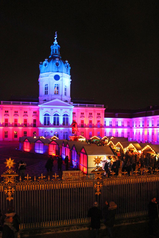 Weihnachtsmarkt vor dem Schloss Charlottenburg, Berlin Christmas markets - luxury travel blog