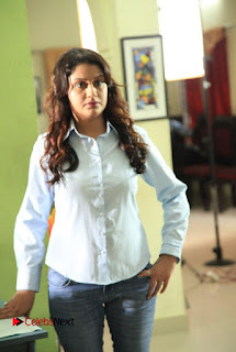 Vincent Asokan Sonia Agarwal Akhil Saran Nayana Starring Yevanavan Movie Stills  0021.jpg