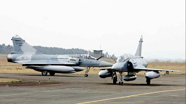 Mirage 2000 da FAB estão a venda