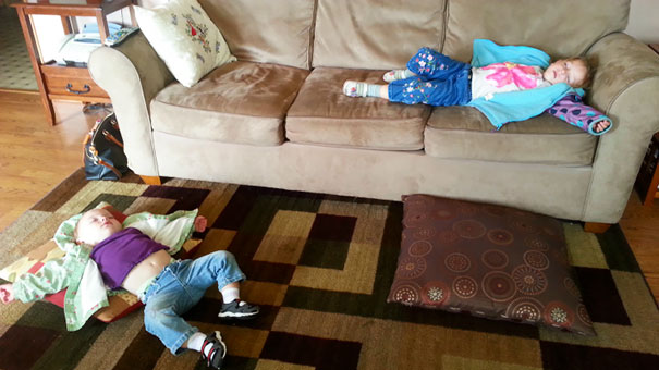 15+ Hilarious Pics That Prove Kids Can Sleep Anywhere - Napping After A Walk