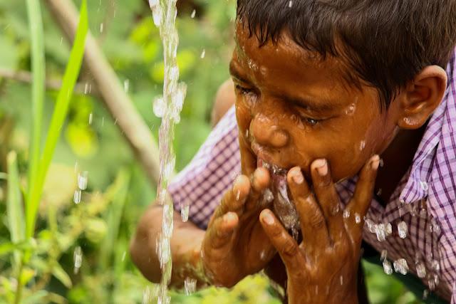 Child washing