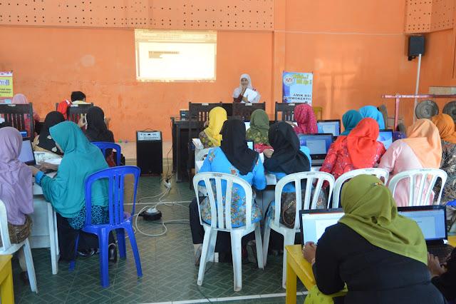 BSI Purwokerto Berikan Pelatihan Office Kepada Guru-guru TK