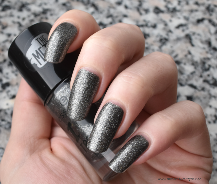 essence The Metals Rebel at Heart Swatch