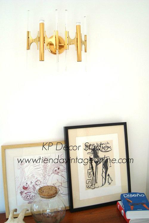 Decoración vintage. lámpara y aplique de latón antigua de autor. Italia años 50