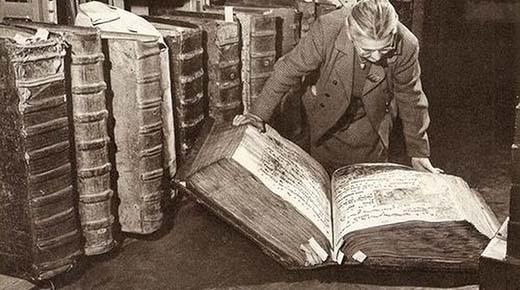 Los libros de los gigantes de la Biblioteca del Castillo de Praga