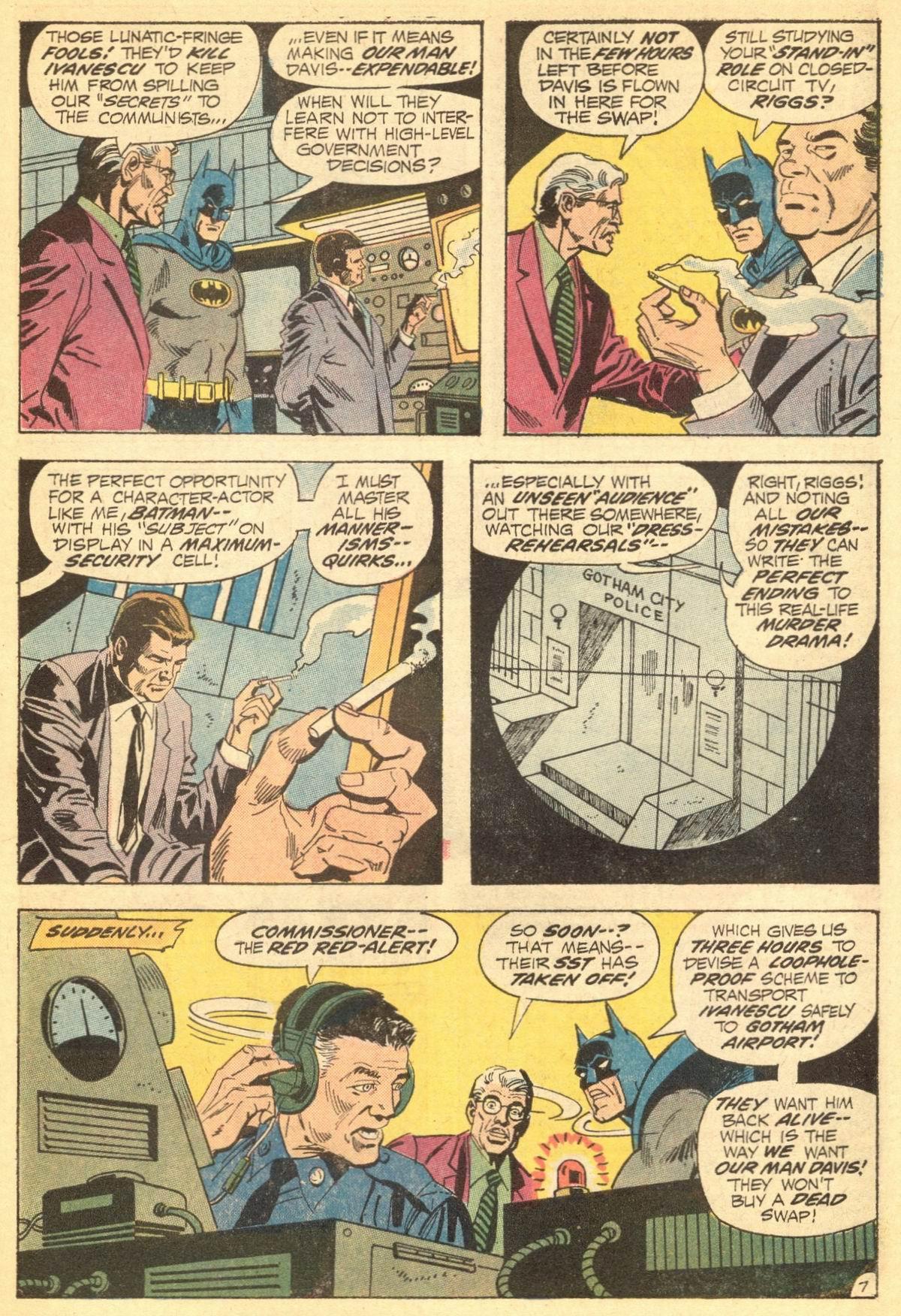 Detective Comics (1937) 423 Page 10