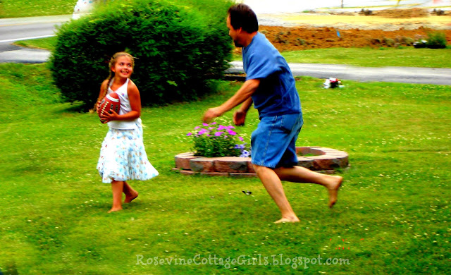 Father playing football with his daughter | 22 things you should know | rosevinecottagegirls.com (c) rosevine cottage girls