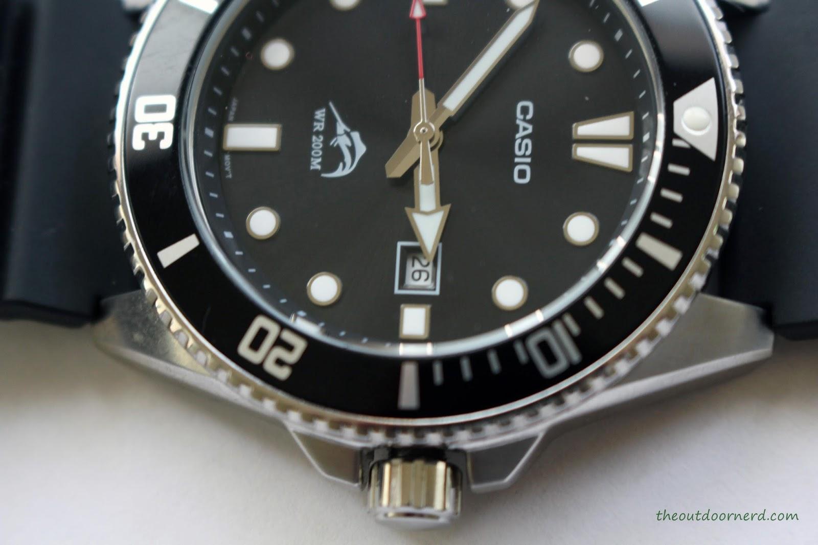 Casio MDV106-1A Diver's Watch: Closeup of Crown 2