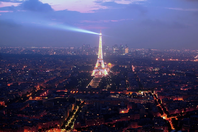mamma-dotter resa till Paris