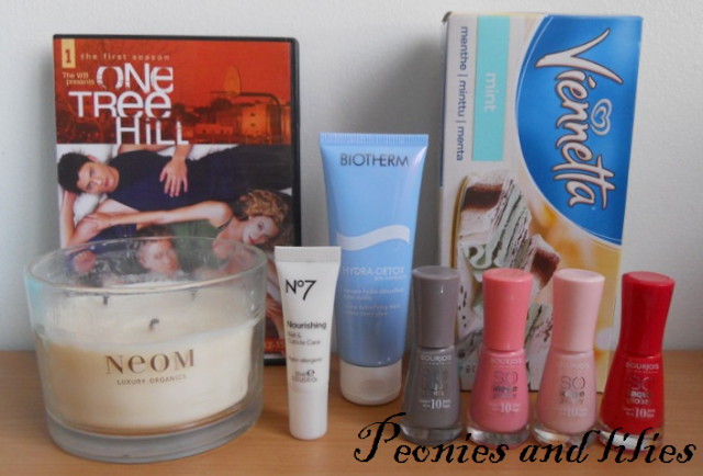 Bourjois Rendez-vous a Paris, Bourjois prepp'hibiscus nail enamel, Bourjois oh so rose nail enamel, Neom invigorate candle, Biotherm hydra detox face mask, No 7 nourishing nail and cuticle care