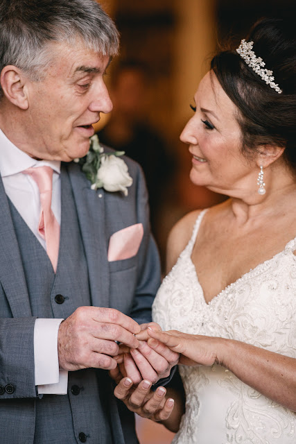 A cosy winter wedding at the Plough and Harrow in Birmingham | byGarazi | Birmingham Wedding Photographer |