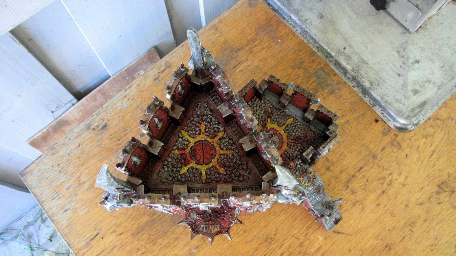 Chaos dreadhold overlord bastion wargaming hub for Chaos overlords